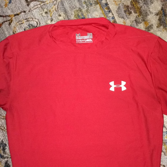 S Under Armour Mens Red HeatGear Compression T-Shirt